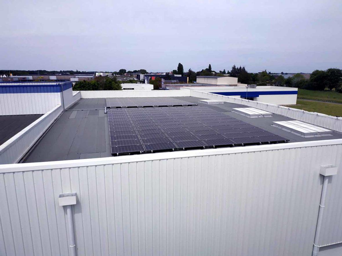 panneau photovoltaique centre commercial Laval