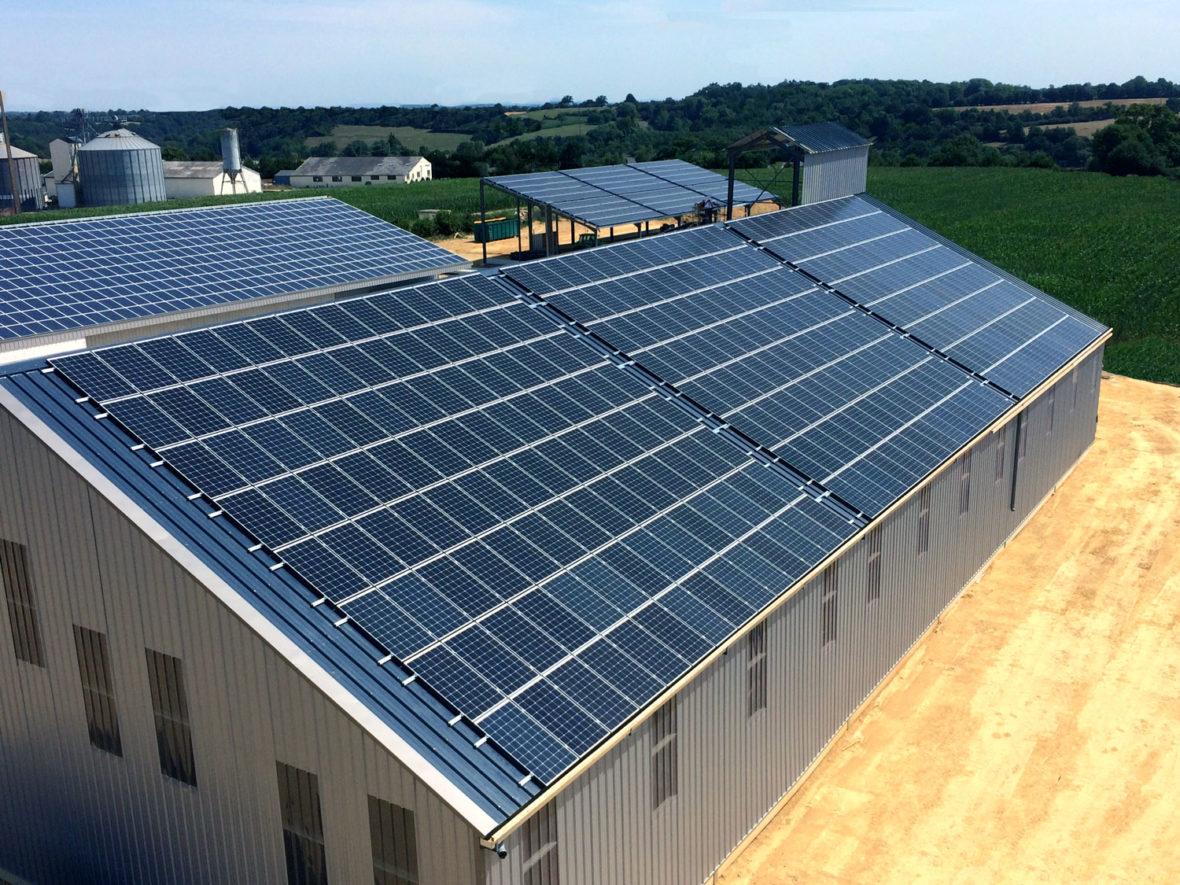 panneau photovoltaique nuillé sur vision mayenne batiment agricole